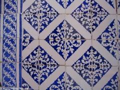Cemitério dos azulejos - grande variedade de produtos