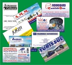 Cartões de visita coloridos com verniz brilho ou fosco