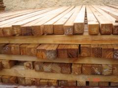 Pernas de pinus 6x6 para construÇÃo.