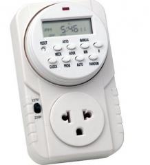Instalamos timer digital para controle automático dos horários em que a energia estará disponível na tomada.