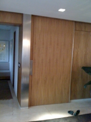 Residencial porta de madeira