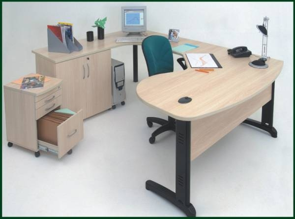 Mesa delta e conjuto para escritório