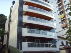 Vista da fachada lateral direita do ed. residencial quality blue