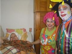 Andarilhos da alegria visita  asilo da velhice desamparada