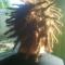 Pequenos dreads em todo cabelo